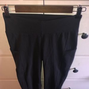 XS women's black synergy leggings new with tags
